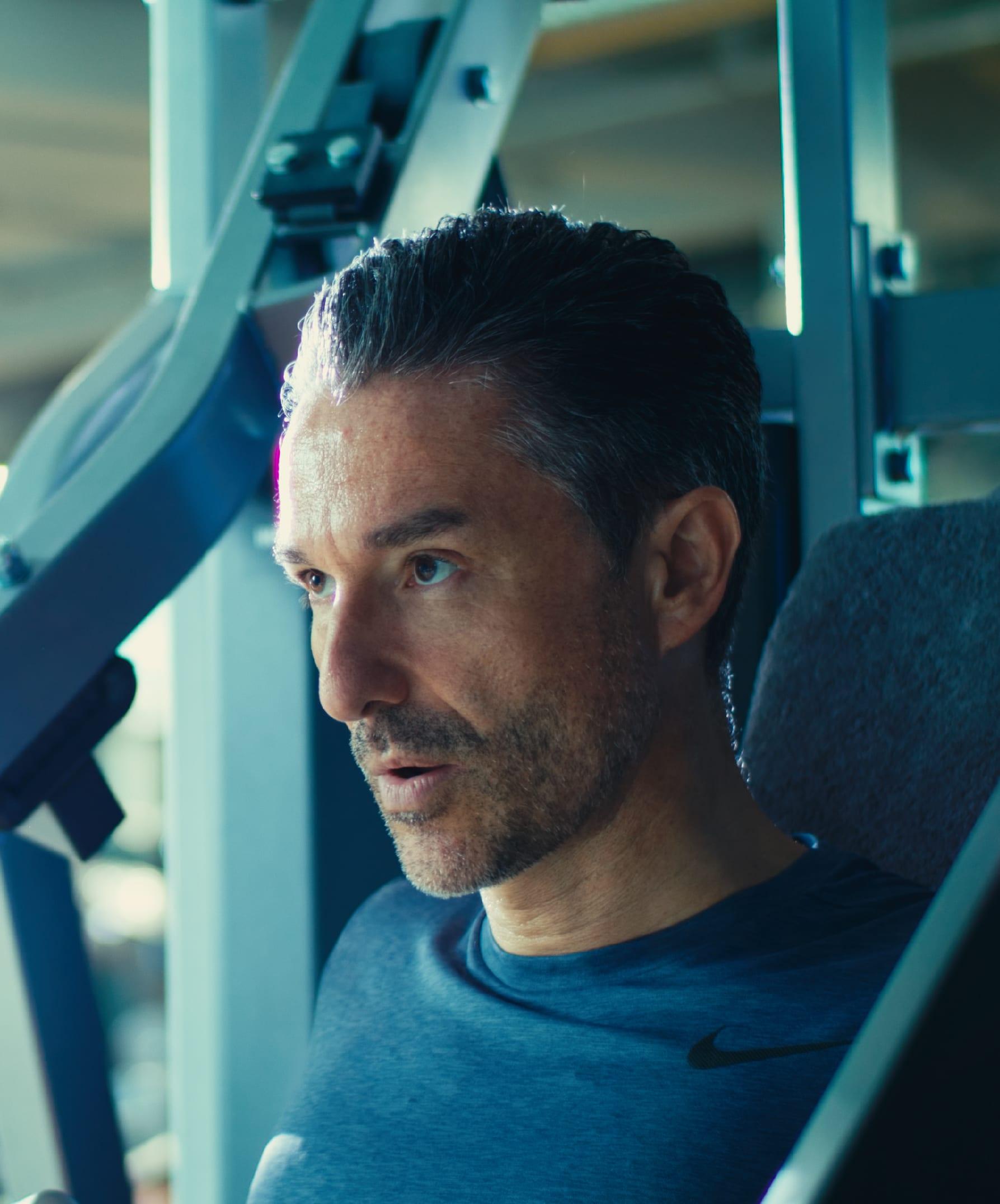Er ist Fitness